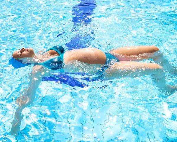 Monitor-Actividades-Acuaticas-para-embarazas-Master-Coaching-Deportivo