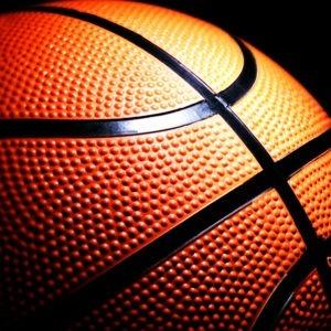 Monitor-de-baloncesto-master-en-coaching-Deportivo