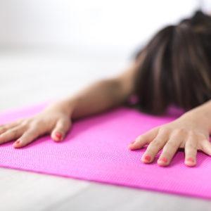 Estudia el curso de yoga infantil y aprende a gestionar sus emociones