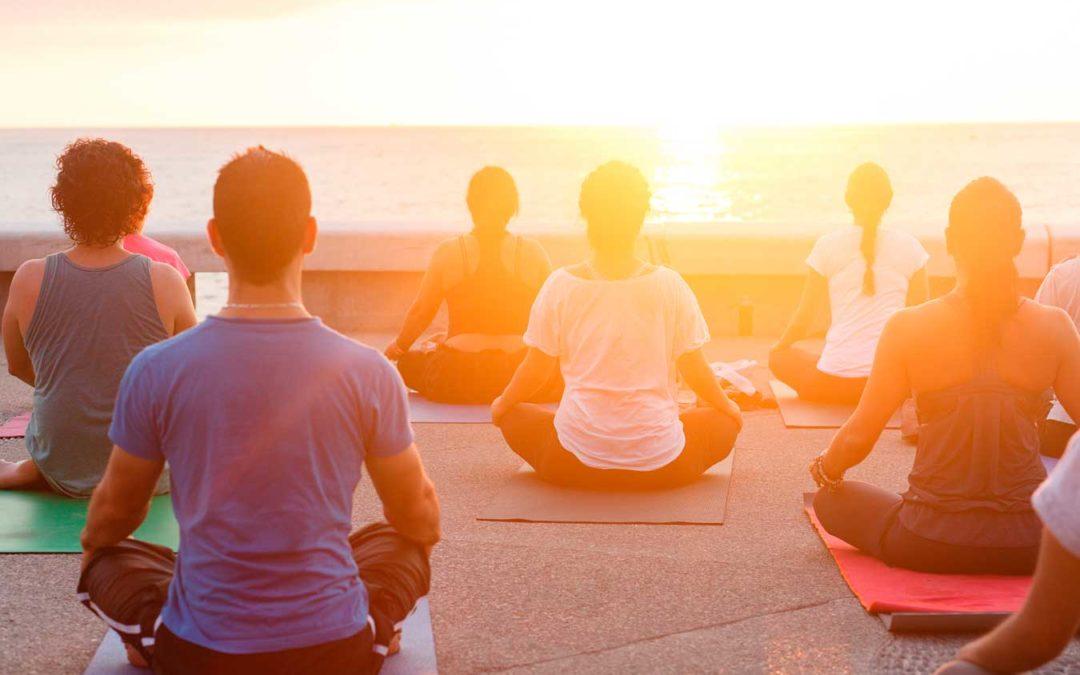Ejercicios de yoga, respiración y conciencia corporal