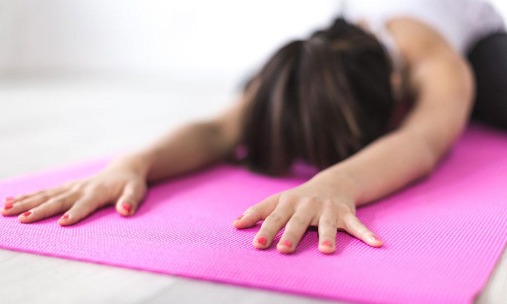 Haz ejercicios estiramientos de espalda